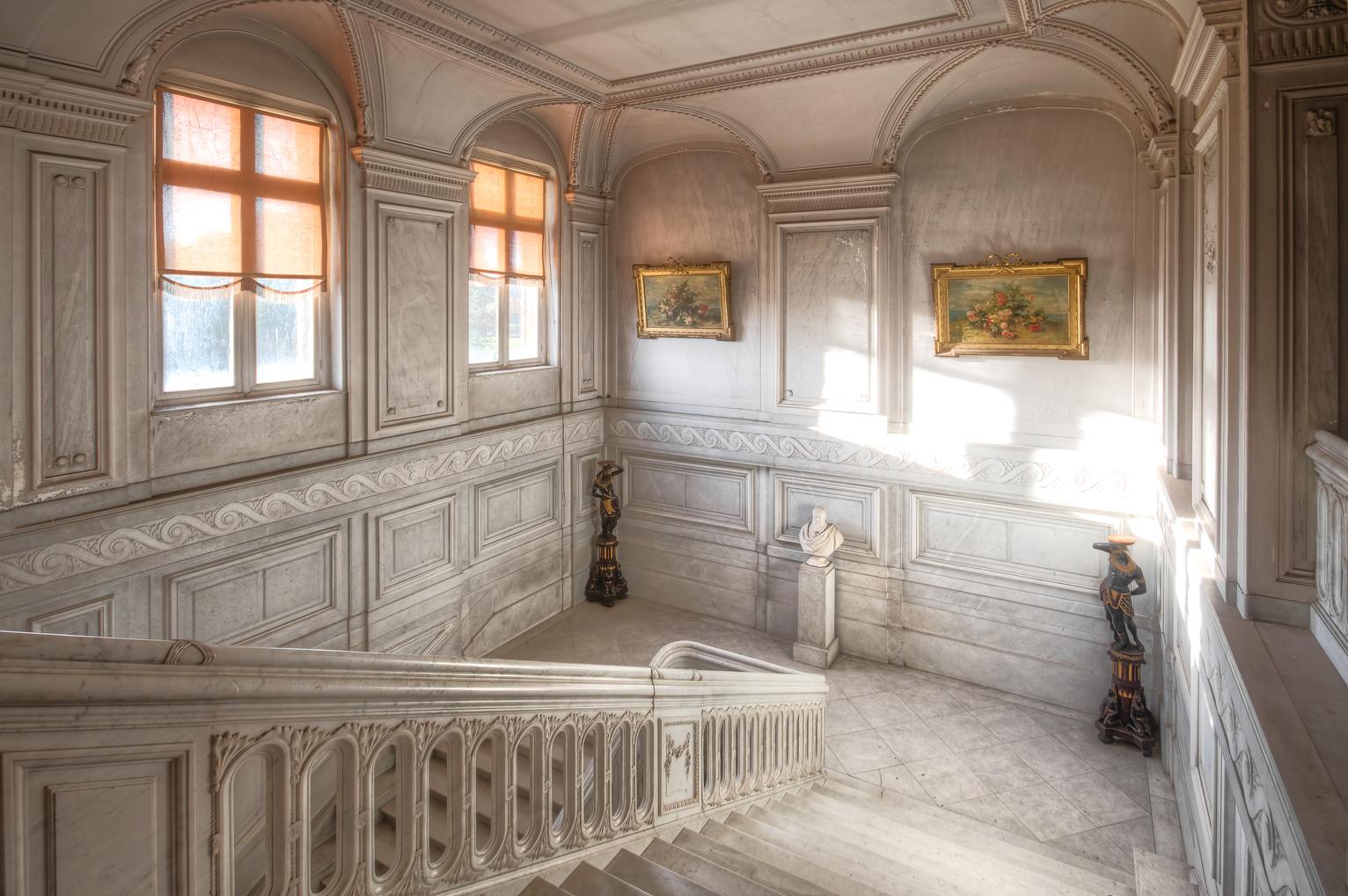 abandonedcastle_3 the castle has an amazing marble