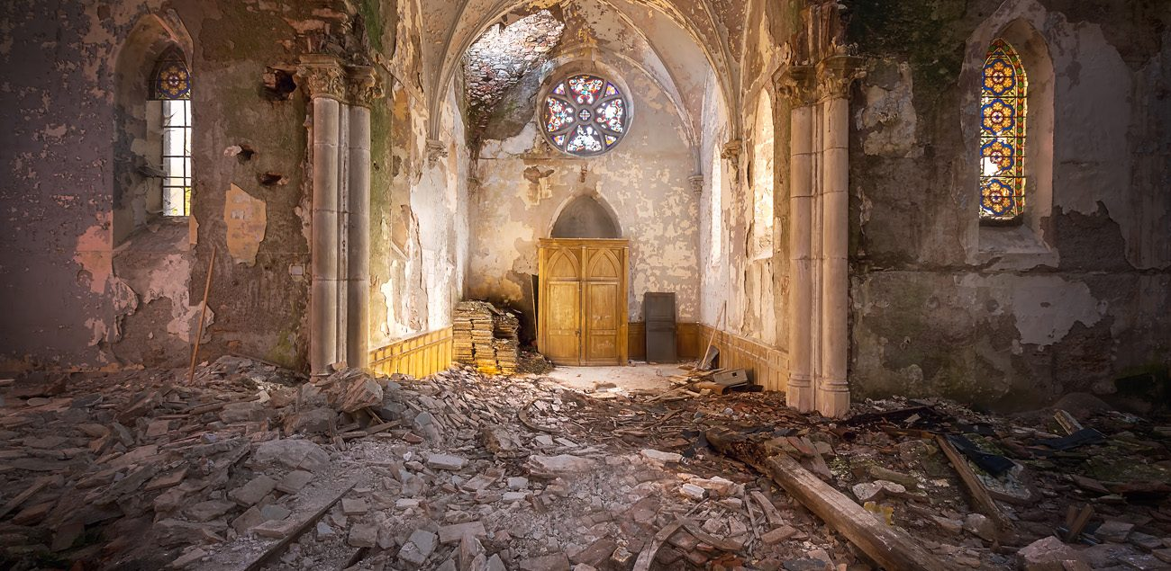 abandoned church decay