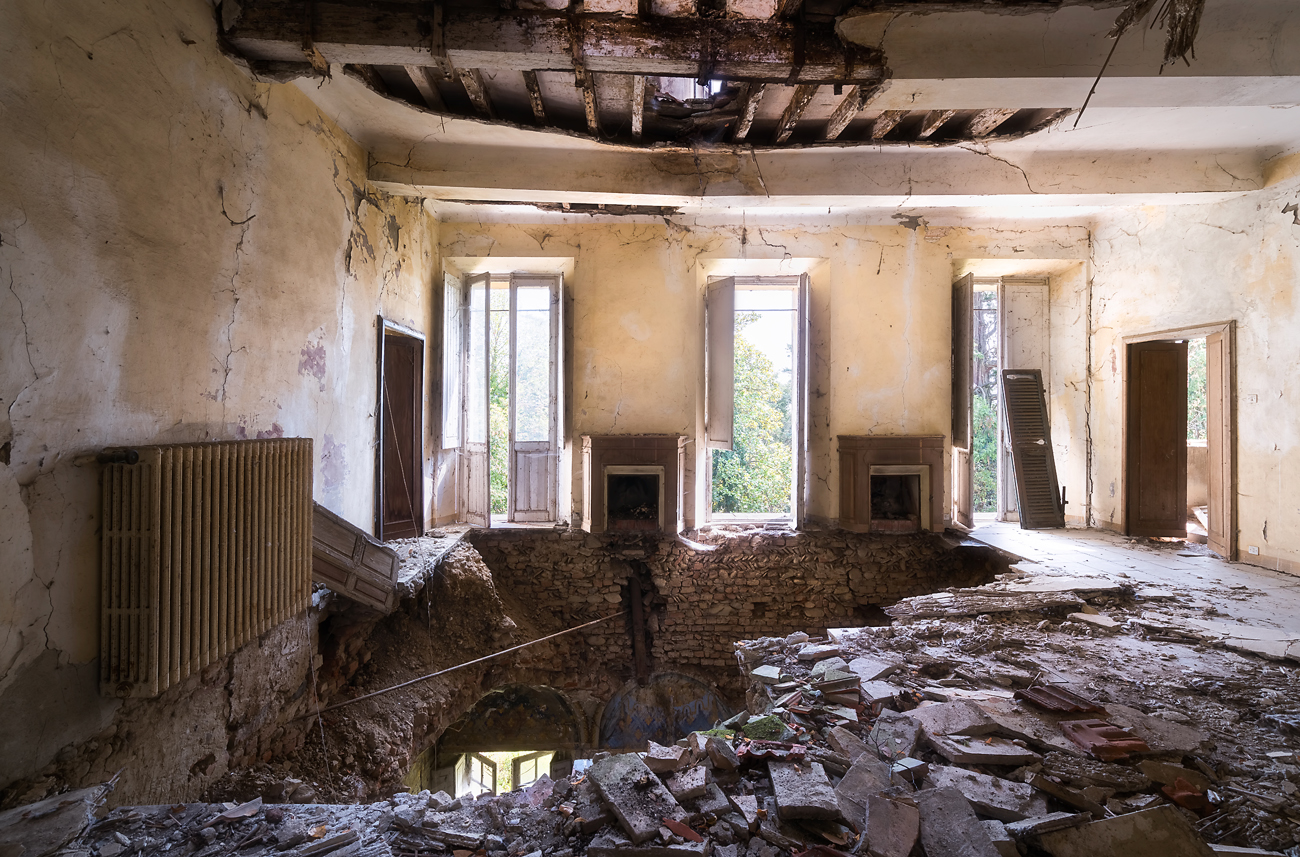 I Photographed An Abandoned Villa With Holes In The Floors