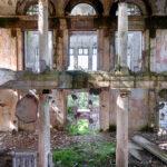 photograph-abandoned-buildings-abkhazia-roman-robroek1 copy